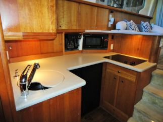 silverton-28-galley