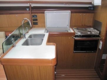 Jeanneau39Galley