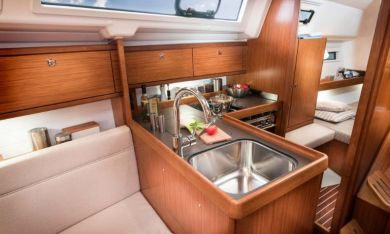 Bavaria34CruiserGalley