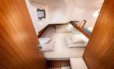Bavaria34CruiserStateroom