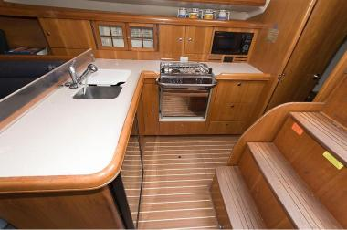 Hunter38Galley