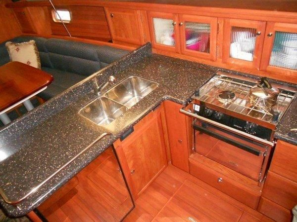 Hunter39Galley