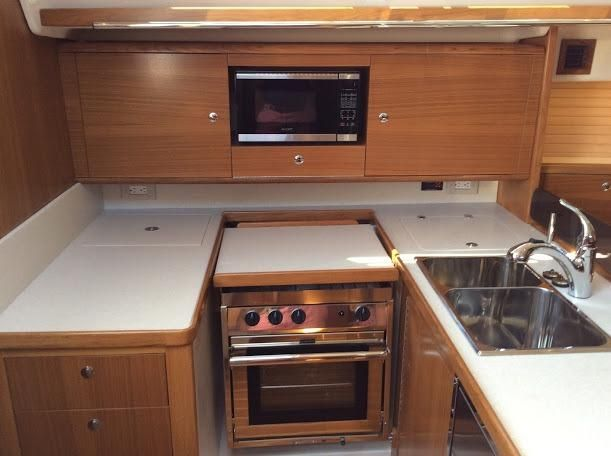 Catalina425Galley